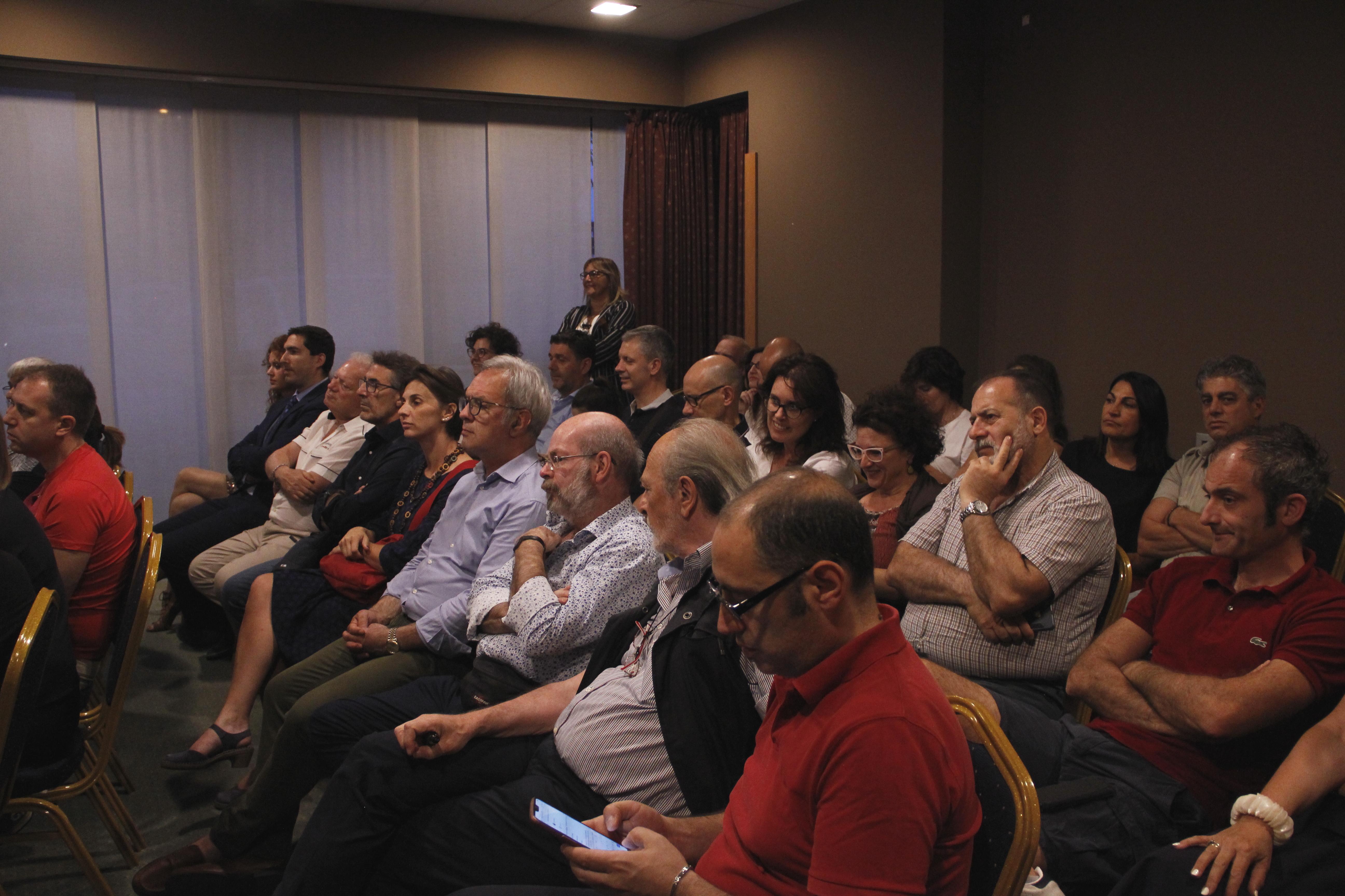 @VareseNews__OBIETTIVO SARONNO PARTE IN ANTICIPO E SI PRESENTA AI SARONNESI.